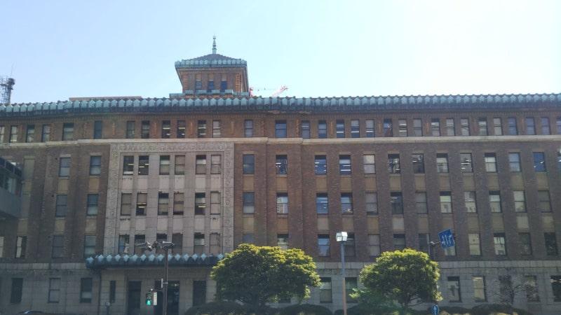 神奈川県庁舎の外観