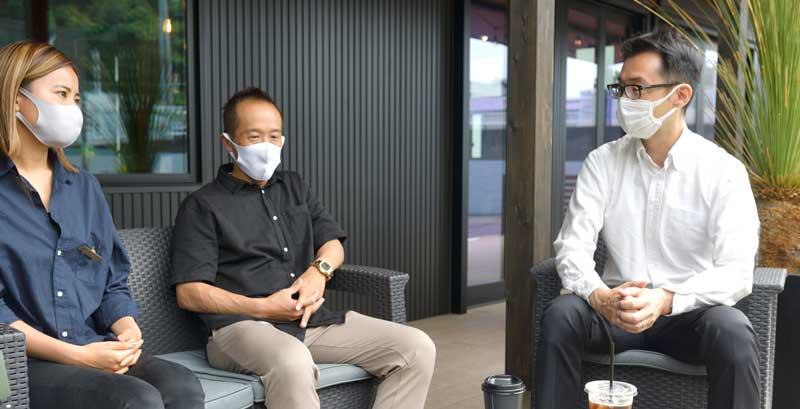 (左から)PSW中村さん、龍田先生、小西